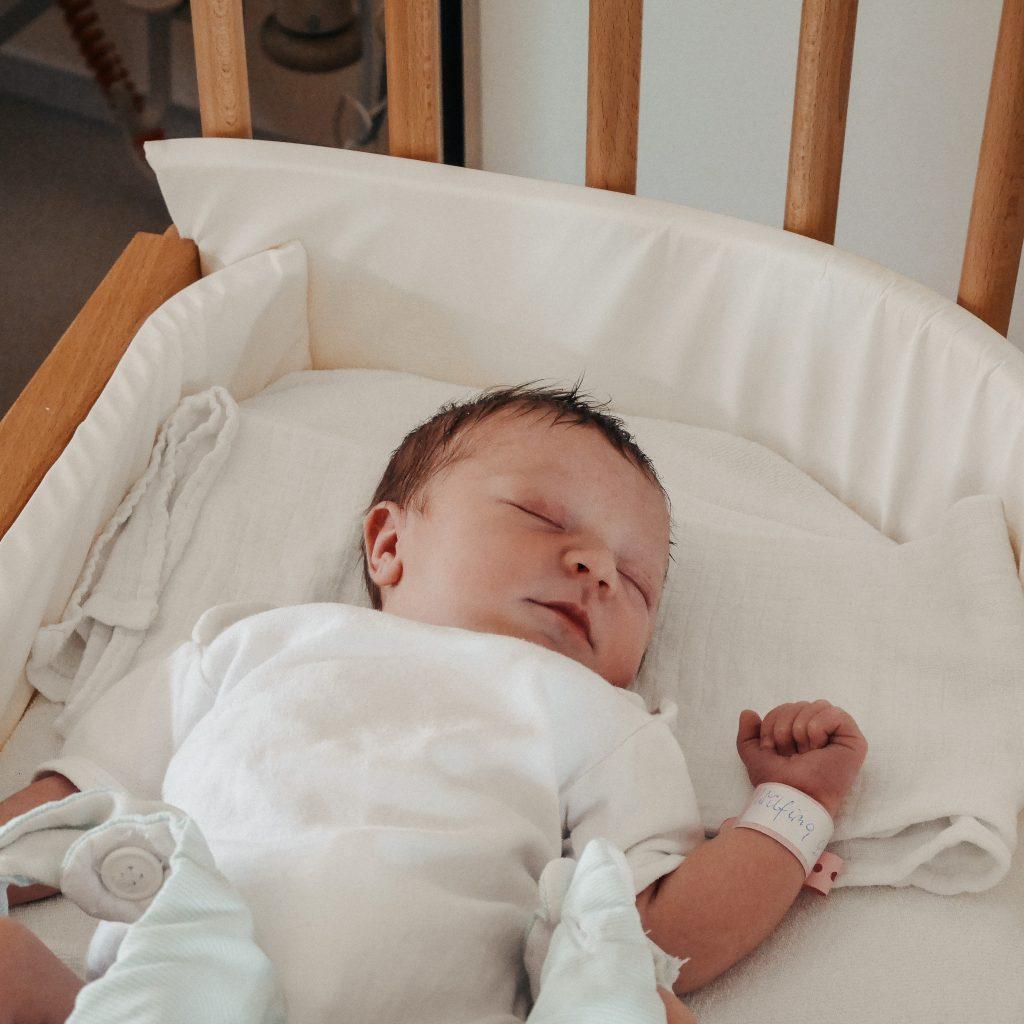Unsere Tochter am Tag ihrer Geburt - wir ahnten nichts von ihrem Gendefekt